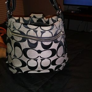 Coach purse (never used)